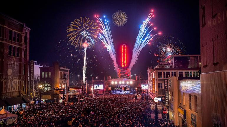 9 Awesome Spots To Celebrate New Year S Eve In The Usa Gousa